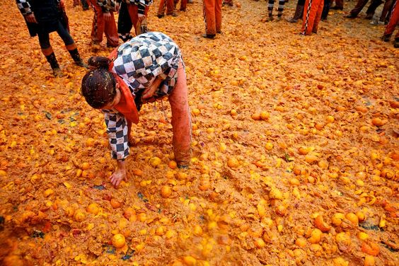 foursquare.com carnival-italy-oranges